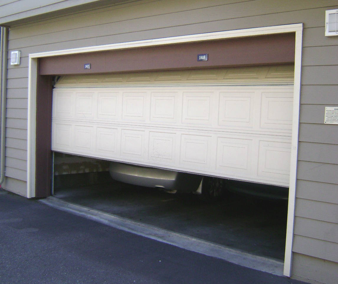 Modern Garage Doors In An Astonishing Protection: Garage Doors And Home Security - A Case Study